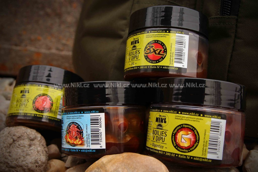 NIKL Boilies v dipu Scopex&Squid - 18+20 mm, 250 g